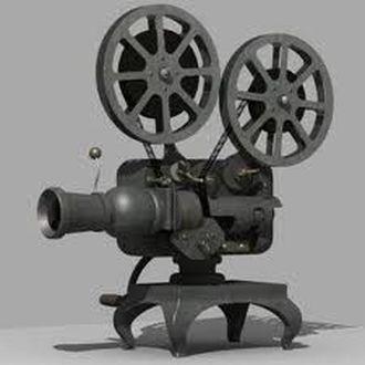 Van egy régi filmvetítőm, de nem tudom milyen márka. Valaki felismeri?