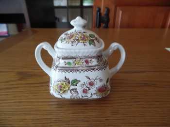 Mennyit érhet ez a porcelán?