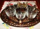 Bronzos fémtartóban teás pohár készlet
