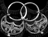 Holdsarló formájú függő 20mm átmérőjű ezüst