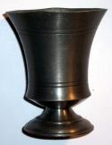 Régi német cin talpas boros pohár 10 cm magas