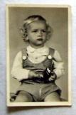 Emlékül gyermek fotós képeslap postatiszta