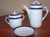 Porcelán kávés kiöntő, cukortartó, 1 kistányér