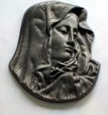 Szűz Mária arca kis dombormû anyaga spiáter